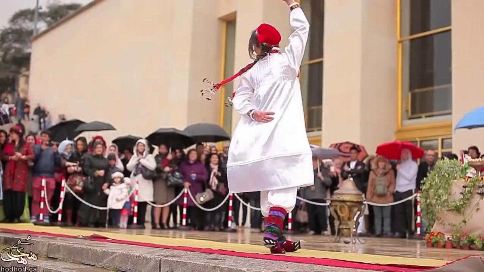 رقص زیبای رقصنده های تاجیک به مناسبت نوروز